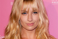 Ways-to-wear-bangs-in-summer-2012-side